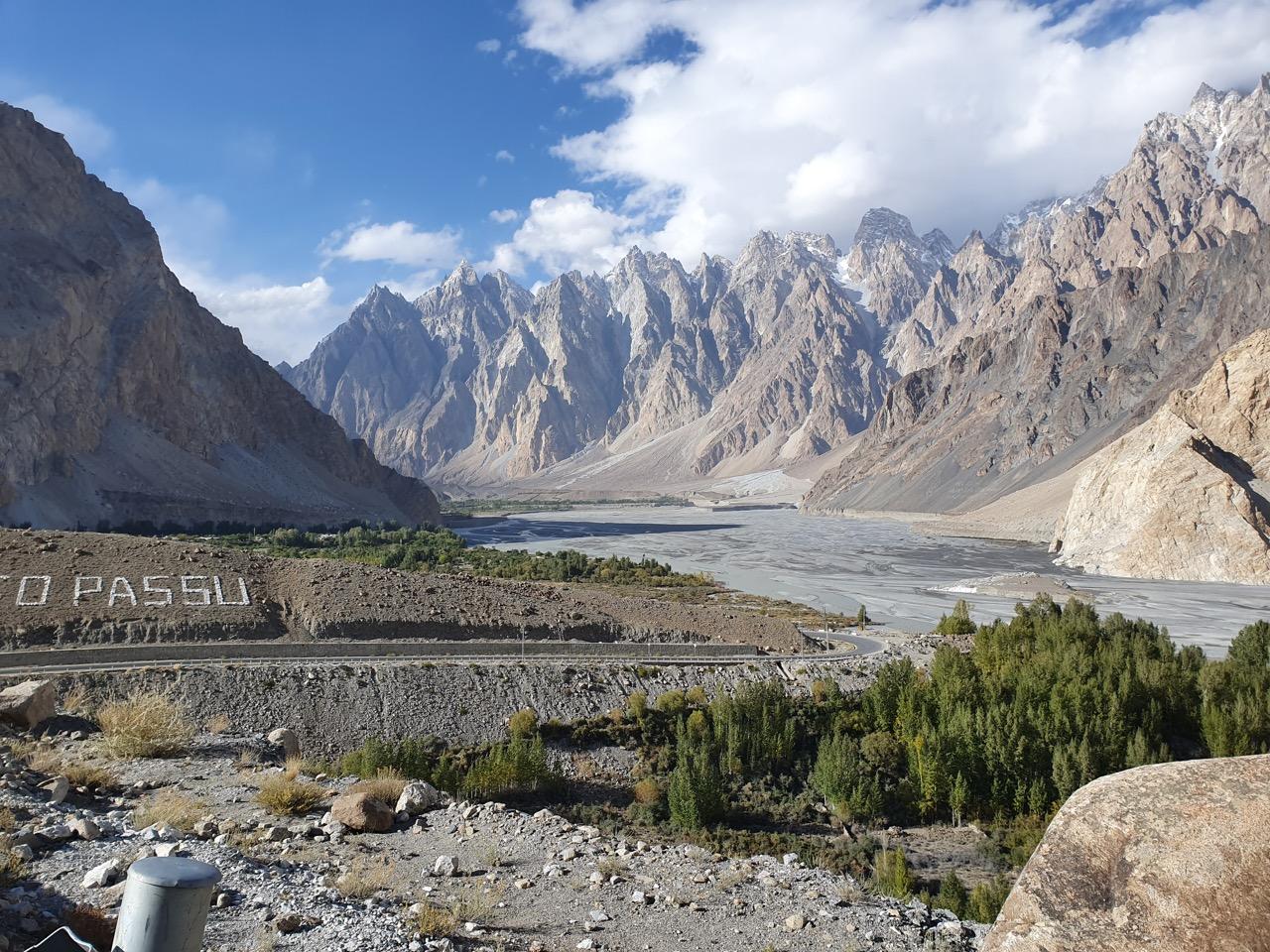 Moto XC v Pakistanu